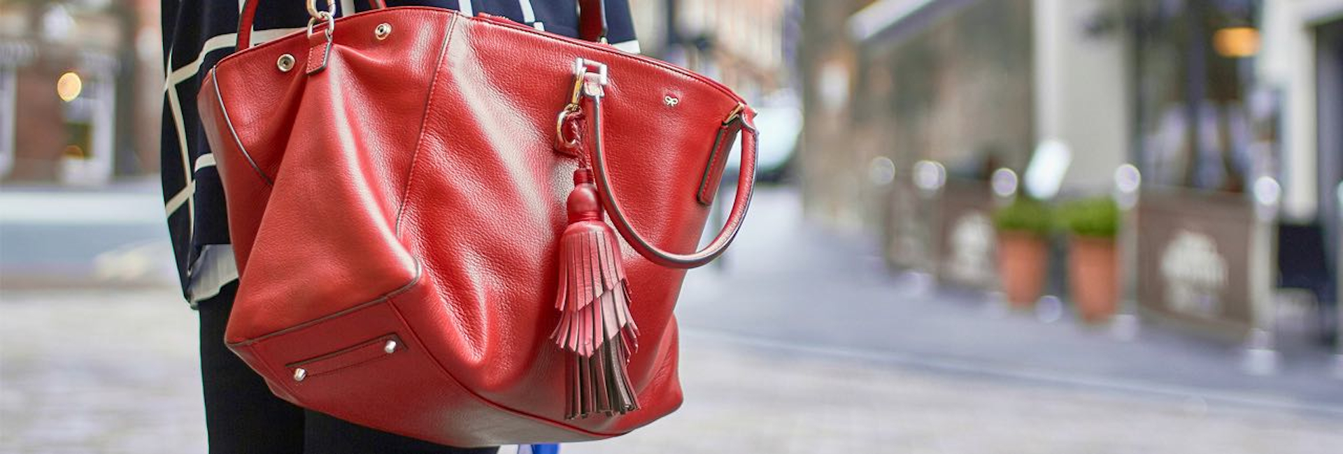 The story behind Red Handbag
